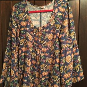 Just fab bell sleeve top